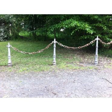 Poteaux et chaines d'entrée  OD032