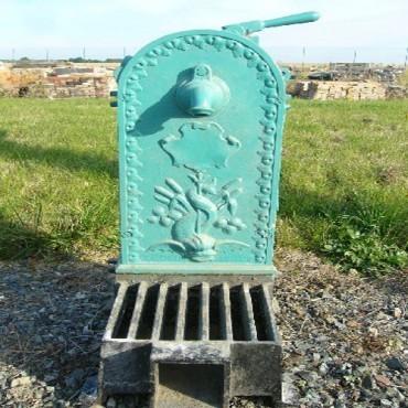 Objets en fer forg fonte antiquit aubry for Objet deco jardin fer forge